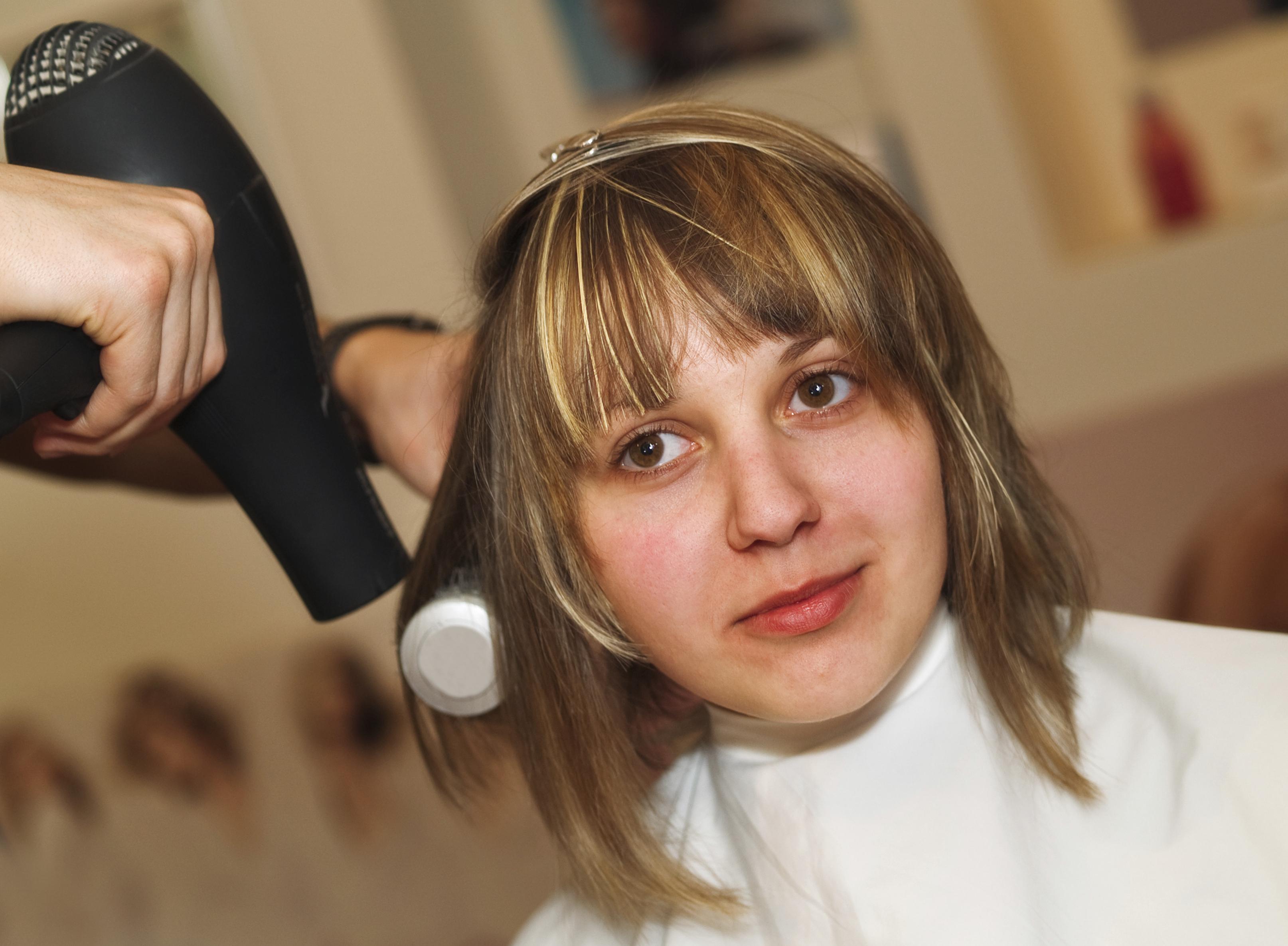 Como es a menudo posible usar el aceite de ricino para los cabellos