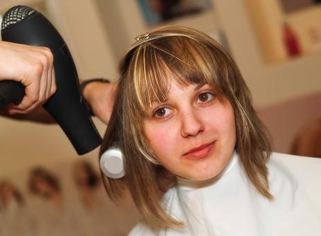 Cómo secar el cabello con secador correctamente_paso5